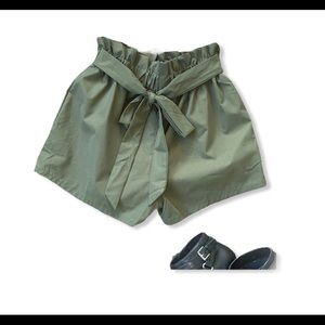 SHEIN Paperbag Tie Front Olive Green Shorts